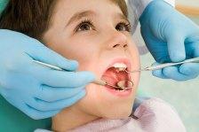 Стоматологи все чаще удаляют зубы детям в возрасте до года